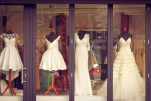 Eleganckie suknie ślubne w klasycznym stylu