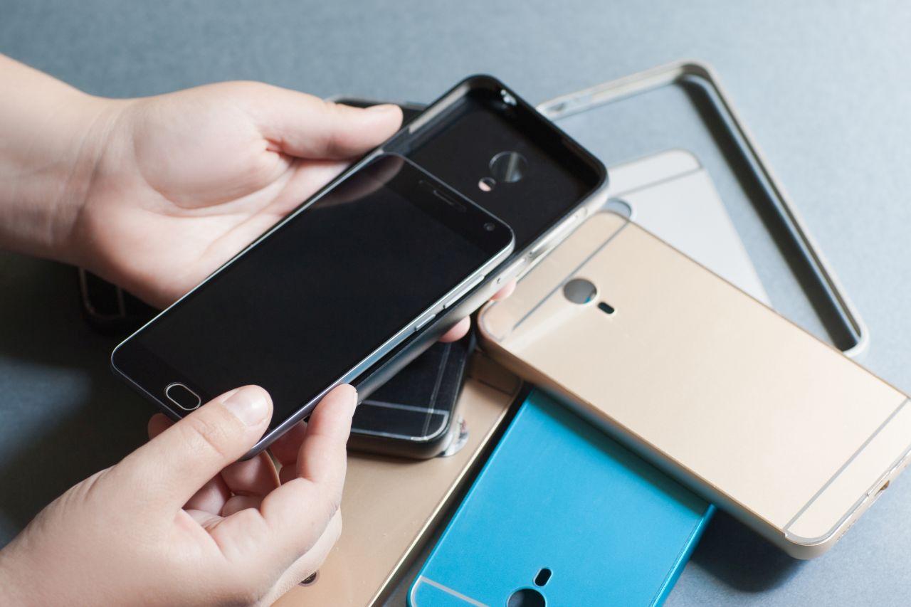 Akcesoria ochronne do smartfona – przegląd najskuteczniejszych