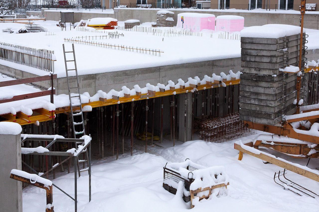 Co ubierać zimą do pracy na budowie?