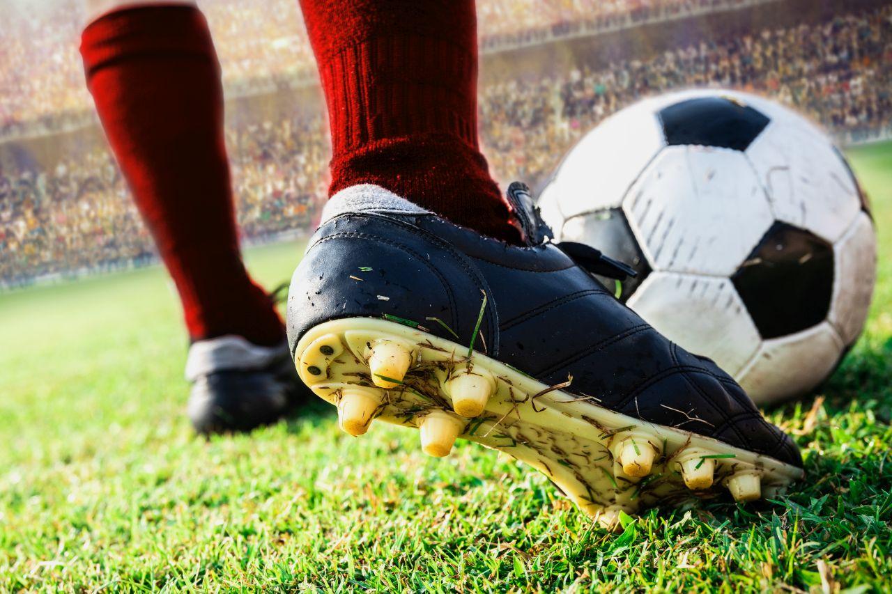 Jak wybrać buty do gry w piłkę nożną?