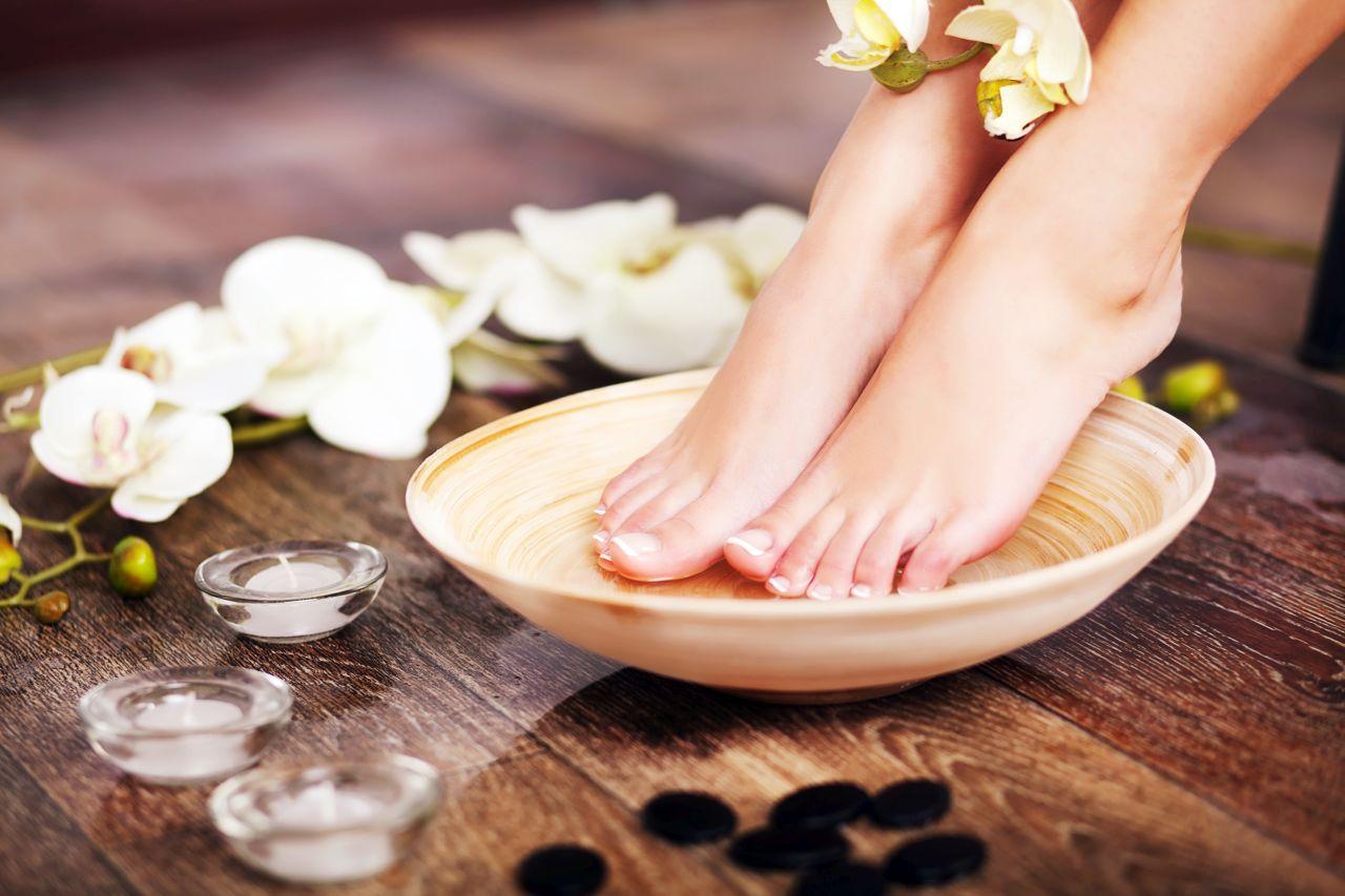 Jakich narzędzi używać do pielęgnacji stóp?