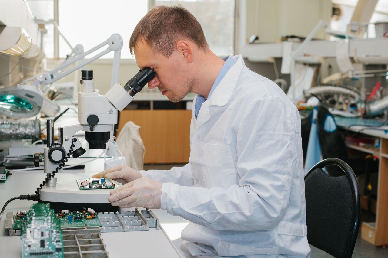 O co muszą dbać w codziennej pracy zakłady chemiczne?