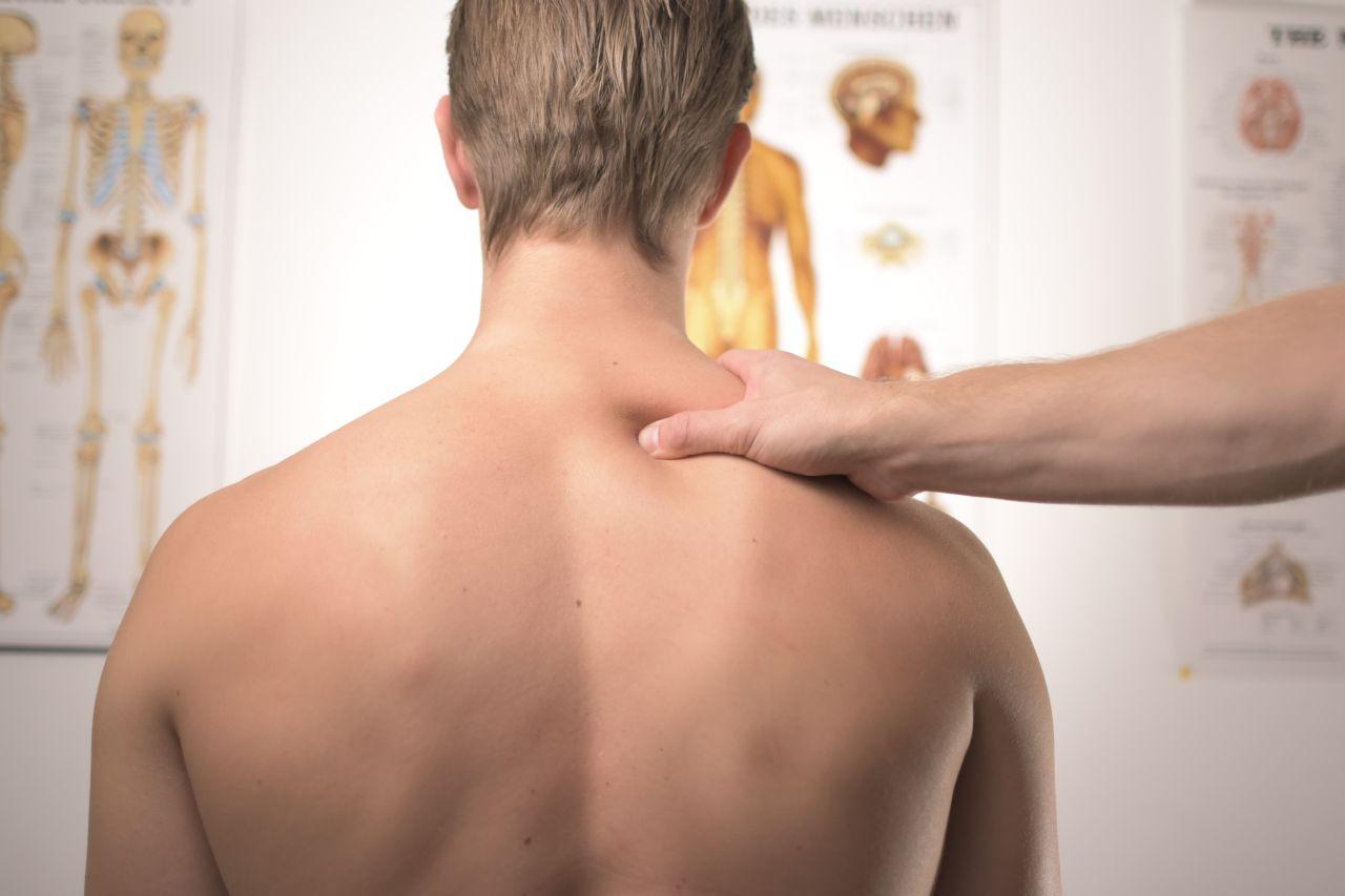 Ból kręgosłupa – jak sobie z tym radzić?