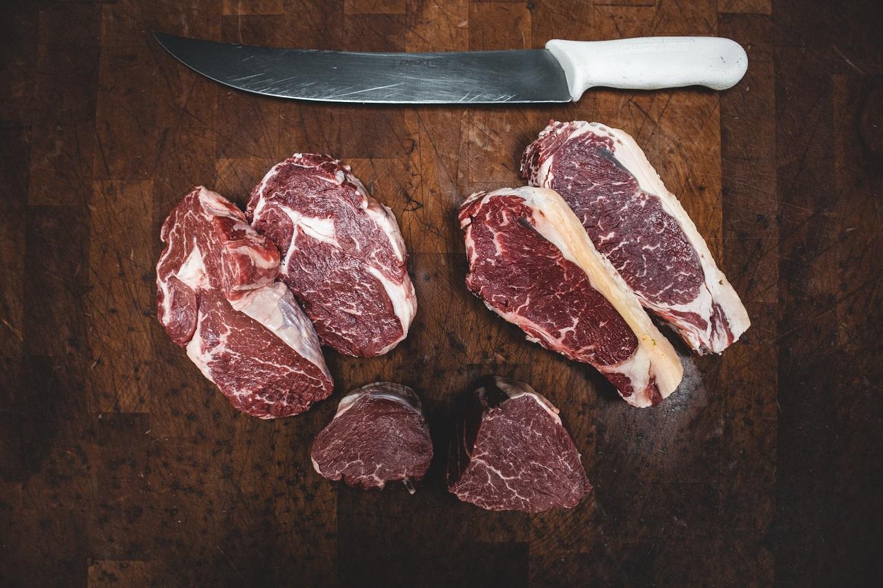 Na co zwrócić uwagę wybierając mięso?