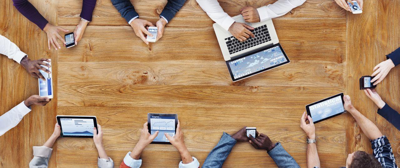 Na jakie rodzaje telefonów warto się zdecydować we własnym biurze?