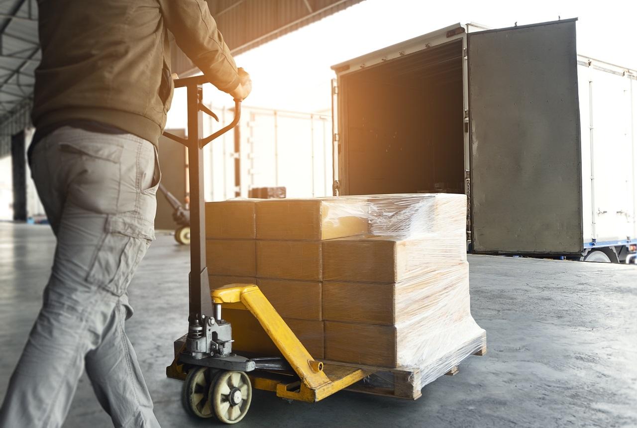 Jak zapewnić komfort pracy podczas przeładunku towaru?