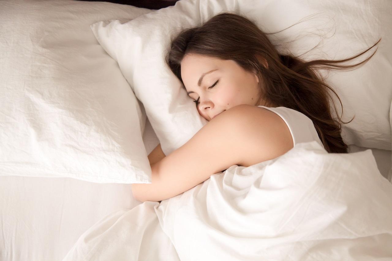Pielęgnacja ciała przed snem, czyli co warto stosować