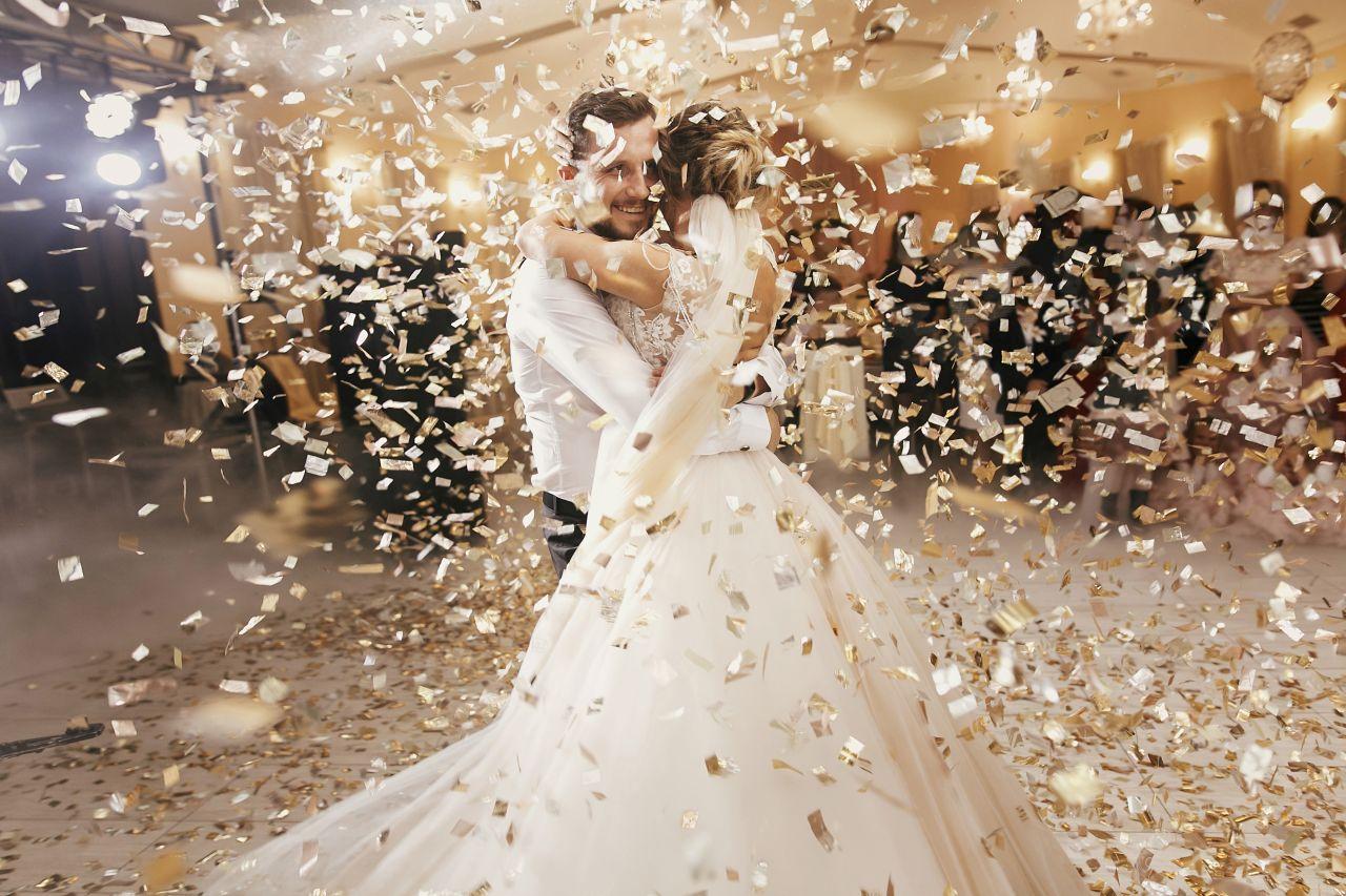 Jakie elementy dekoracyjne powinny znaleźć się na weselu?