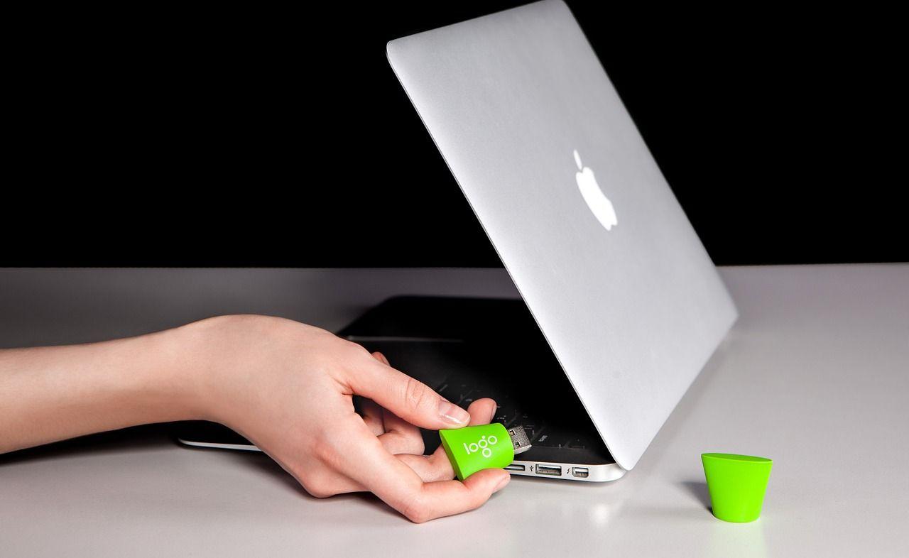 W czym najlepiej przenosić i przechowywać swojego laptopa?